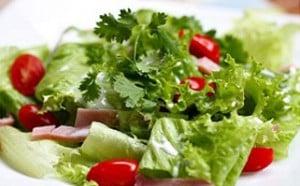 Cách trộn salad ngon, bổ dưỡng và dễ làm