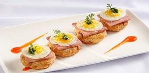 Bánh khoai mì trứng cút