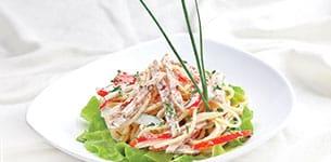 Salad mì Ý với giò thủ
