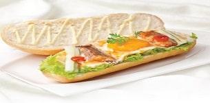 Bánh mì ốp la cá mòi