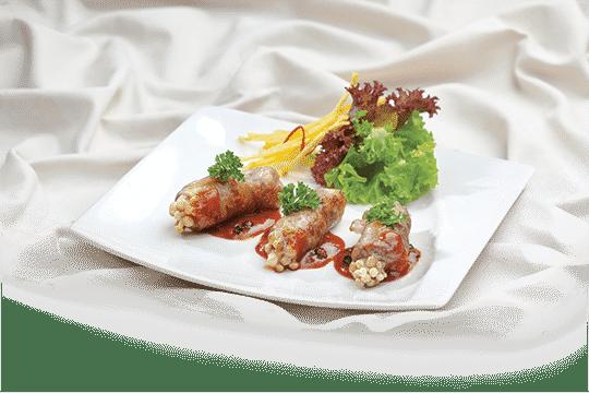 Bò cuộn nấm xốt tiêu