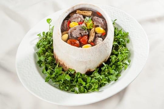 Bò tiềm trái dừa