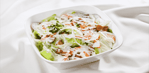 Salad tôm và thịt hun khói