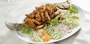 Salad cá chiên giòn