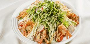 Salad romain tôm chiên