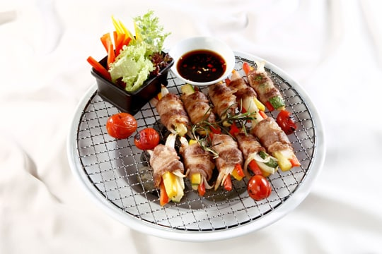 Bò cuộn rau củ