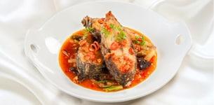 Cá rô phi chiên xốt cà