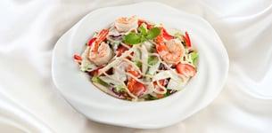 Salad tôm dâu tây táo đỏ