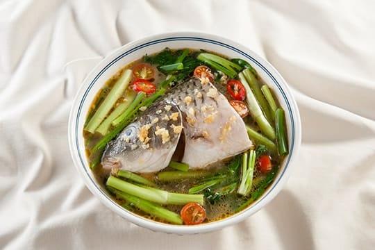 Canh cá chép rau cần