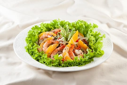 Salad cam tôm sú