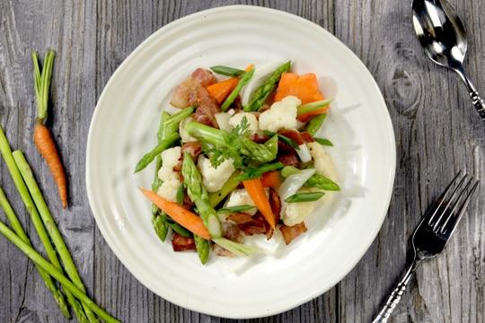 Bacon xào bông cải măng tây