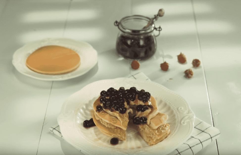 Cách biến tấu trà sữa trân châu thành pancake cực lạ của Mẹ trẻ