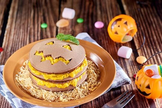 Pancake xốt bí đỏ phô mai