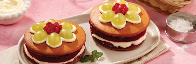 pancake thanh long đỏ