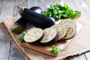 Ăn cà tím có lợi ích gì cho sức khỏe và chế biến thế nào cho đúng cách