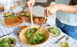 Ăn gì để ngăn tiết mồ hôi trong những ngày nắng nóng?